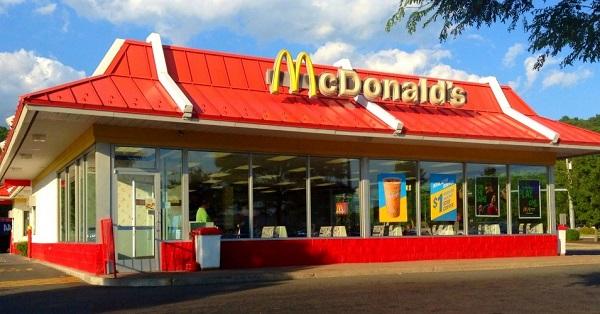 ត្រូវចំណាយប៉ុន្មាន ដើម្បីបើកហាង McDonald's មួយកន្លែង? (មានវីដេអូ)