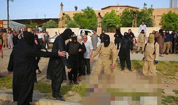 ISIS ហាមមិនឲ្យស្លៀកឈុតកីឡាបាល់ទាត់  ជនណាហ៊ានល្មើស នឹងទទួលរងទណ្ឌកម្ម