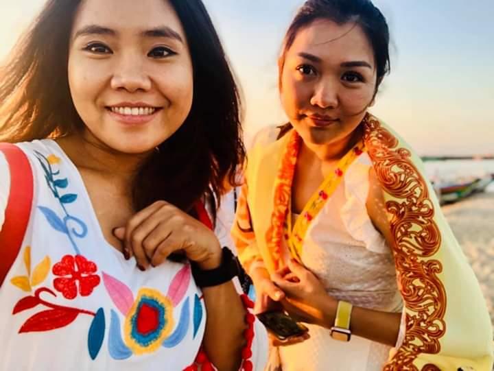 မမငွေဇင်လှိုင်းနဲ့အတူ အဆွေးသီချင်းလေးတစ်ပုဒ်ကို Mood အပြည့်နဲ့သီဆိုပြနေတဲ့  သက်မွန်မြင့်ရဲ့သားအားချစ်လေးရဲ့ဗီဒီယိုဖိုင် - Myanmarload